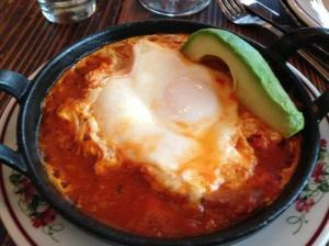 baked-eggs-with-tomato