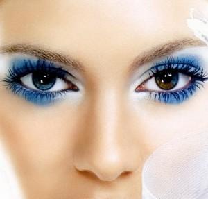 sexy-blue-eyeshadow