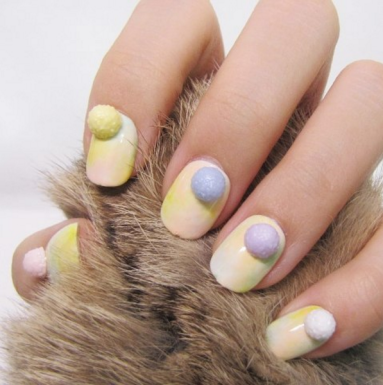 Pom-Pom-Nails-1