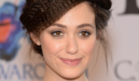 How-to-apply-eyeliner-to-suit-your-eyes-INSET_ROUND_EYES_EMMY_ROSSUM