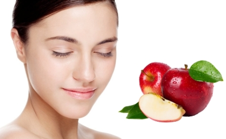 apple-face-mask-for-glowing-skin
