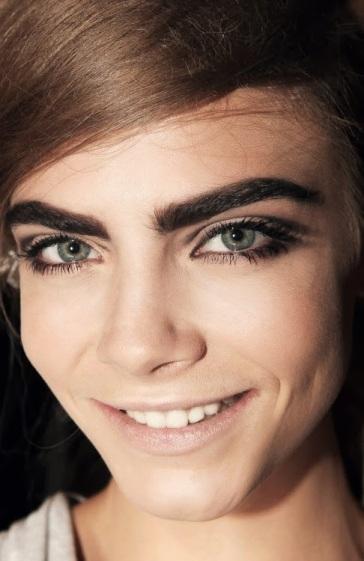 cara-delevingne-eyebrows-makeup