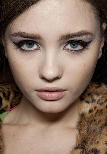 eyeliner-tips-dos-and-don-ts