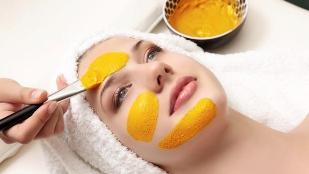 turmeric-and-cream-facial-mask